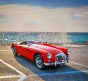 Automóvil descubierto británico 1960 de la puerta de la obra clásica 2 de MGA 1500 Foto de archivo libre de regalías
