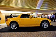 Automóvil descubierto de Mazda MX-5 en la visualización foto de archivo
