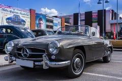 Automóvil descubierto de Mercedes Benz 190SL Fotos de archivo libres de regalías