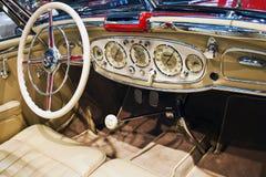 Automóvil descubierto del Benz 500K de Mercedes, interior Foto de archivo