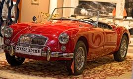 Automóvil retro de los coches de MG fotografía de archivo