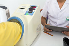Automatic blood pressure monitor Royalty Free Stock Photos