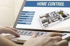 Automation de calcul à la maison de maison Photos libres de droits
