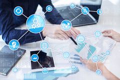 Automationbegrepp som en innovation som förbättrar produktivitet, pålitlighet i teknologi och affärsprocessar arkivfoto
