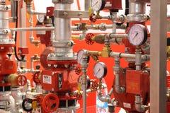 Automatisch water en sproeier brandblussysteem stock afbeelding