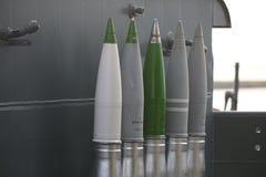 Automatisch zeekanon ak-130 Verschillende types van patronen in lijnclose-up stock foto