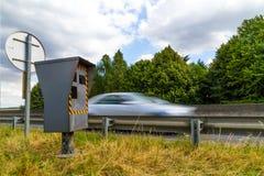 Automatische Geschwindigkeitskamera Lizenzfreie Stockfotografie