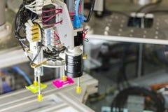 Automatische het systeemmachine van de goedereninspectie met de controle van productsysteem en scheiding door zuiging met vacuümm stock afbeelding