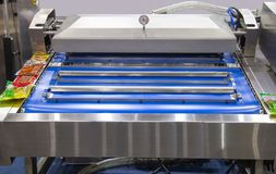Automatische Hitte - verzegelende Vacuümmachine stock fotografie