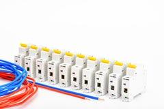Automatische Leistungsschalter, kupfernes einkerniges Kabel Zusätze für sichere und sichere elektrische Installation elektrisch lizenzfreie stockbilder
