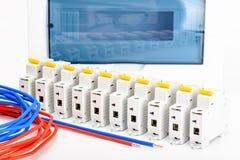 Automatische Leistungsschalter, kupfernes einkerniges Kabel Zusätze für sichere und sichere elektrische Installation elektrisch stockfotos
