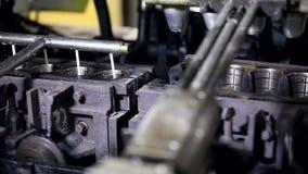 Automatische productielijn van roomijs stock video