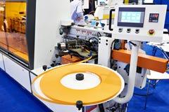 Automatische randbanders op fabriek stock afbeelding