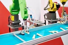 Automatische robotmanipulator stock afbeeldingen