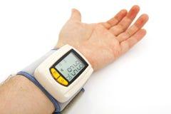 Automatisches Blutdrucküberwachungsgerät Lizenzfreie Stockfotos
