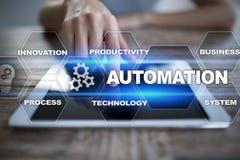 Automatiseringsconcept als innovatie in technologie en bedrijfsprocessen stock afbeeldingen