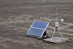 automatisk kontroll drivet sol- stationsväder Arkivfoton