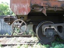 Automatisk koppling av den järnväg bilen Arkivfoton