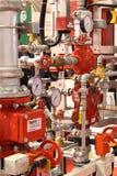 Automatisk vatten- och spridarebrand - sl?ckningssystem royaltyfri fotografi