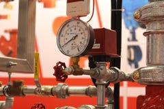 Automatisk vatten- och spridarebrand - sl?ckningssystem arkivbilder