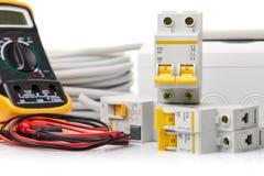 Automatiska strömkretssäkerhetsbrytare elektrisk utrustning arkivfoto