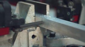 Automatiskt stål för bandsågklipphjälpmedel lager videofilmer