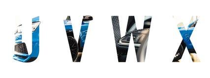 Automatiskt stilsortsalfabet u, v, w, x gjorde av den moderna blåa bilen med dyrbart papper klippte form av bokstaven royaltyfria foton
