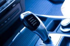 Automatyczna przekładni gałeczka z prośbą przeciw szybkiemu jeżdżeniu Obraz Royalty Free