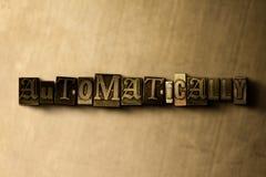 AUTOMATYCZNIE - zakończenie grungy rocznik typeset słowo na metalu tle royalty ilustracja