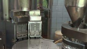 Automatyczny konwejer dla farmaceutycznych produktów pastylki, kapsuły (,) zbiory wideo