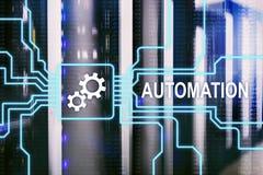 Automazione di tecnologia dell'innovazione e di processo aziendale in manufacturin Concetto di tecnologia e di Internet sul backg Immagine Stock