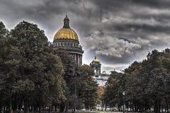 Automne à St Petersburg Cathédrale de rue Isaac Photographie stock