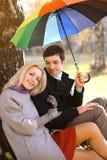 Automne, amour, relations et concept de personnes - beau couple Photos stock