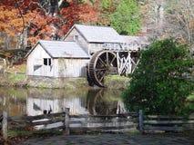 Automne au moulin de Mabry Image libre de droits