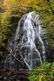 Automne bleu de Ridge Parkway Crabtree Falls In Photo stock