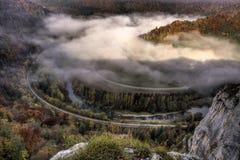 Automne brumeux dans le Donau vally en Allemagne Photos stock