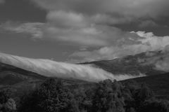 Automne brumeux et nuageux haut dans les montagnes Photographie stock