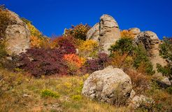 Automne dans la vallée du Hurdens de Demerdzhi photos libres de droits