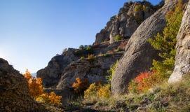 Automne dans la vallée du Hurdens de Demerdzhi photo stock