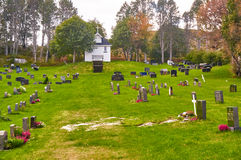 Automne dans le cimetière norvégien Photo stock