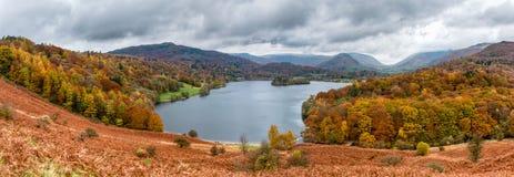Automne dans le secteur de lac, R-U photos libres de droits