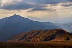 Automne dans les montagnes Photographie stock