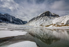 Automne dans les montagnes Photographie stock libre de droits