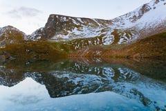 Automne de coucher du soleil de lac Images stock