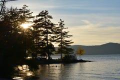 Automne 2 de coucher du soleil de lac photographie stock libre de droits
