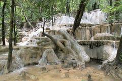 Automne de l'eau de Wang-Sai-lanière chez Satun, Thaïlande Images libres de droits