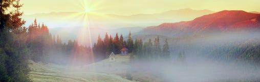 Automne et monastère Photos libres de droits