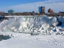 Automnes américains, la rivière Niagara photographie stock libre de droits