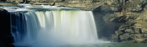 Automnes de Cumberland, la rivière Cumberland, Kentucky Photo stock