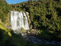 Automnes de l'eau de Marokopa au Nouvelle-Zélande photo libre de droits